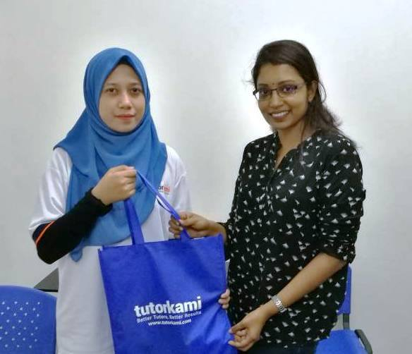 Tutorkami of the month: Miss Shamini presented with a gift